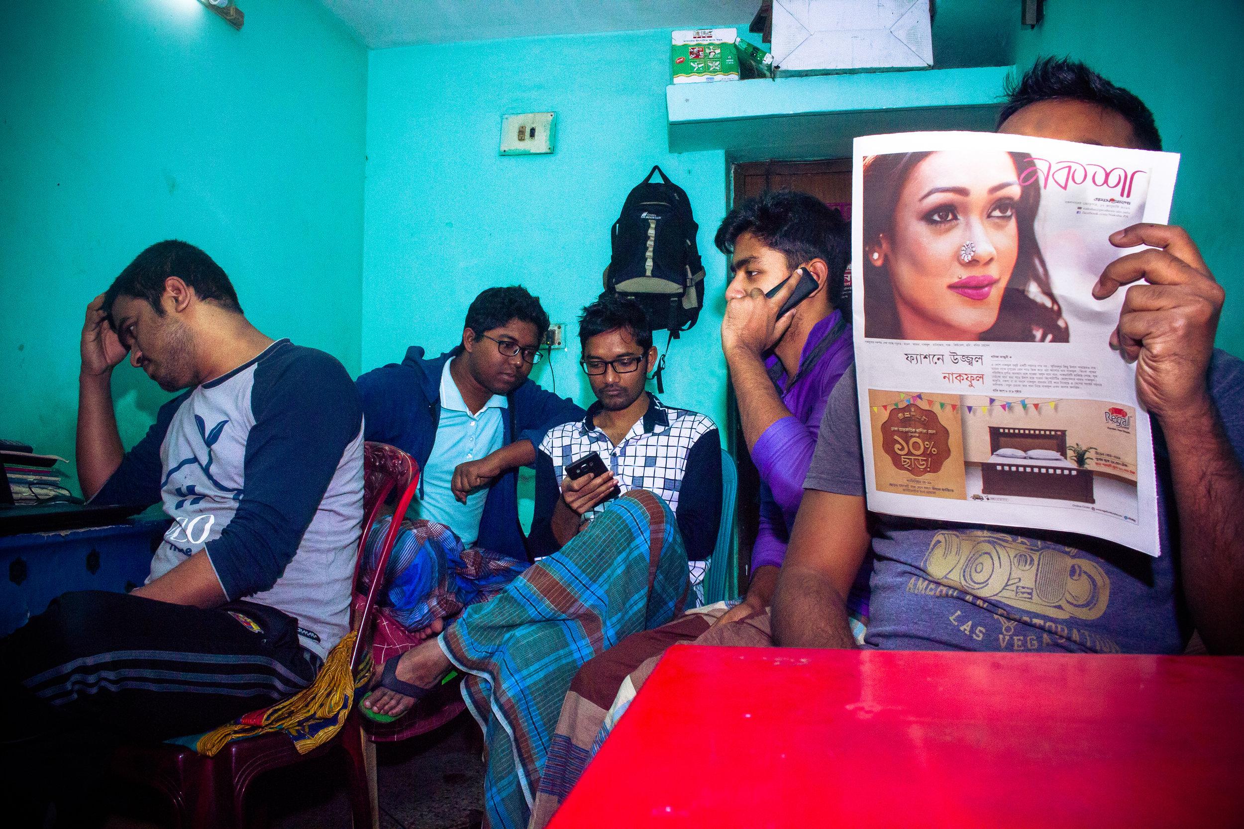 The guys that currently live at 55/E: Enamul,    Shohel, Rajib, Shahrukh, Saiful and     Polash (Polash is missing from the photo    )