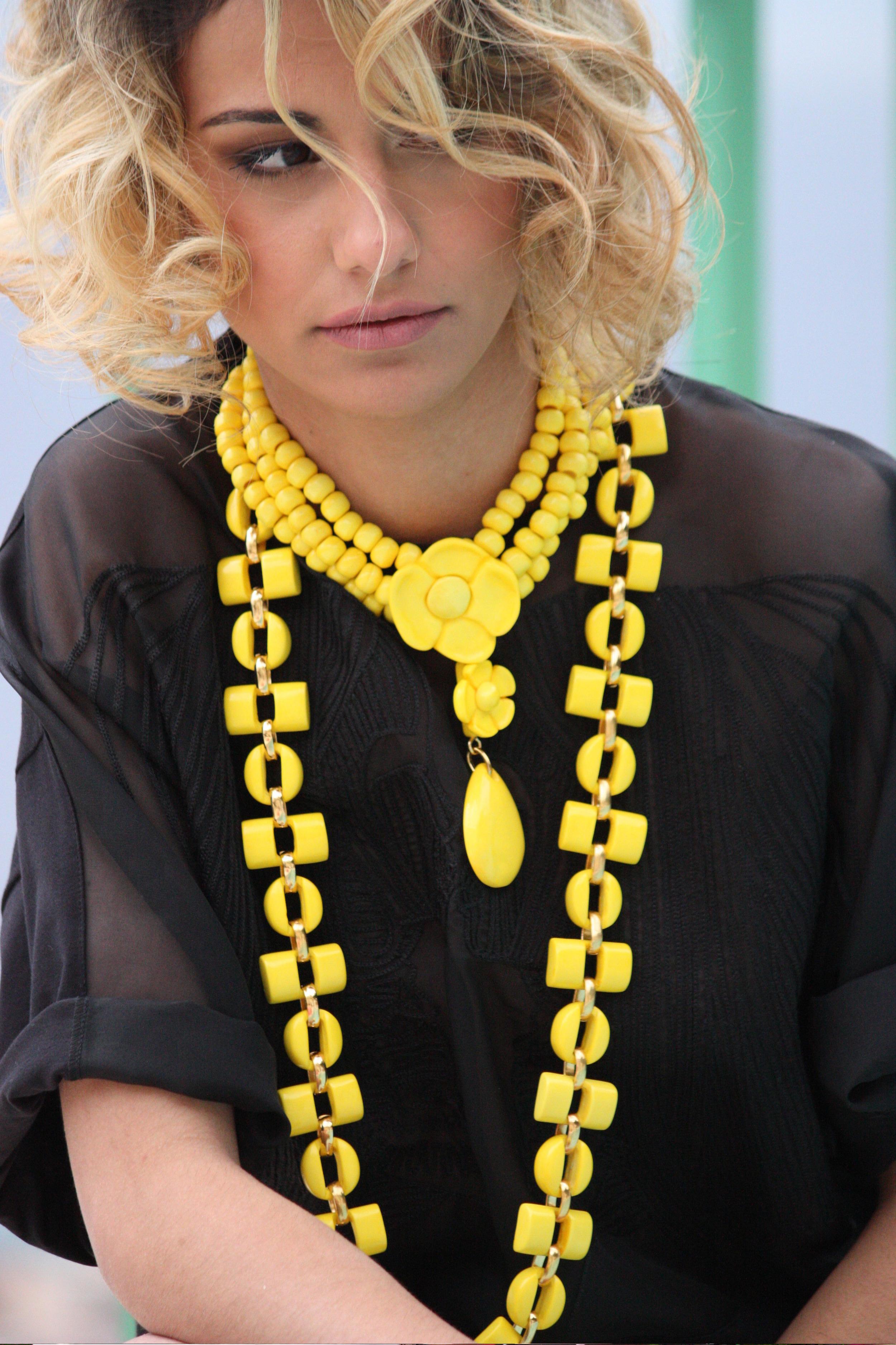 Mathéa porte les colliers Dominique DENAIVE