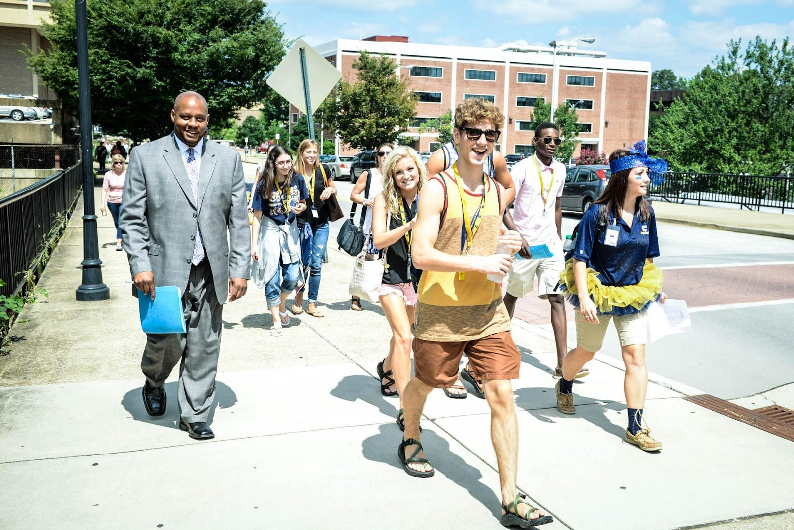 54aac-freshman-orientation-walk.jpg