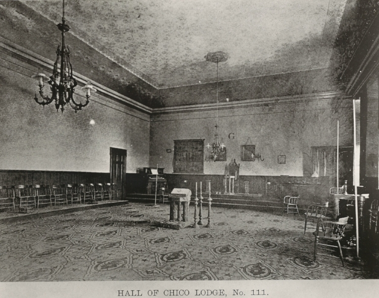 Lodge Room as it looked 1871-1908, where the Blue Room Theater no resides above Colliers Hardware.