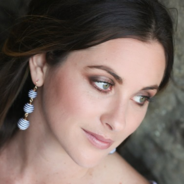 Natural Bridal Makeup for Blue Eyes by Wedding Makeup Artist Glory Munoz
