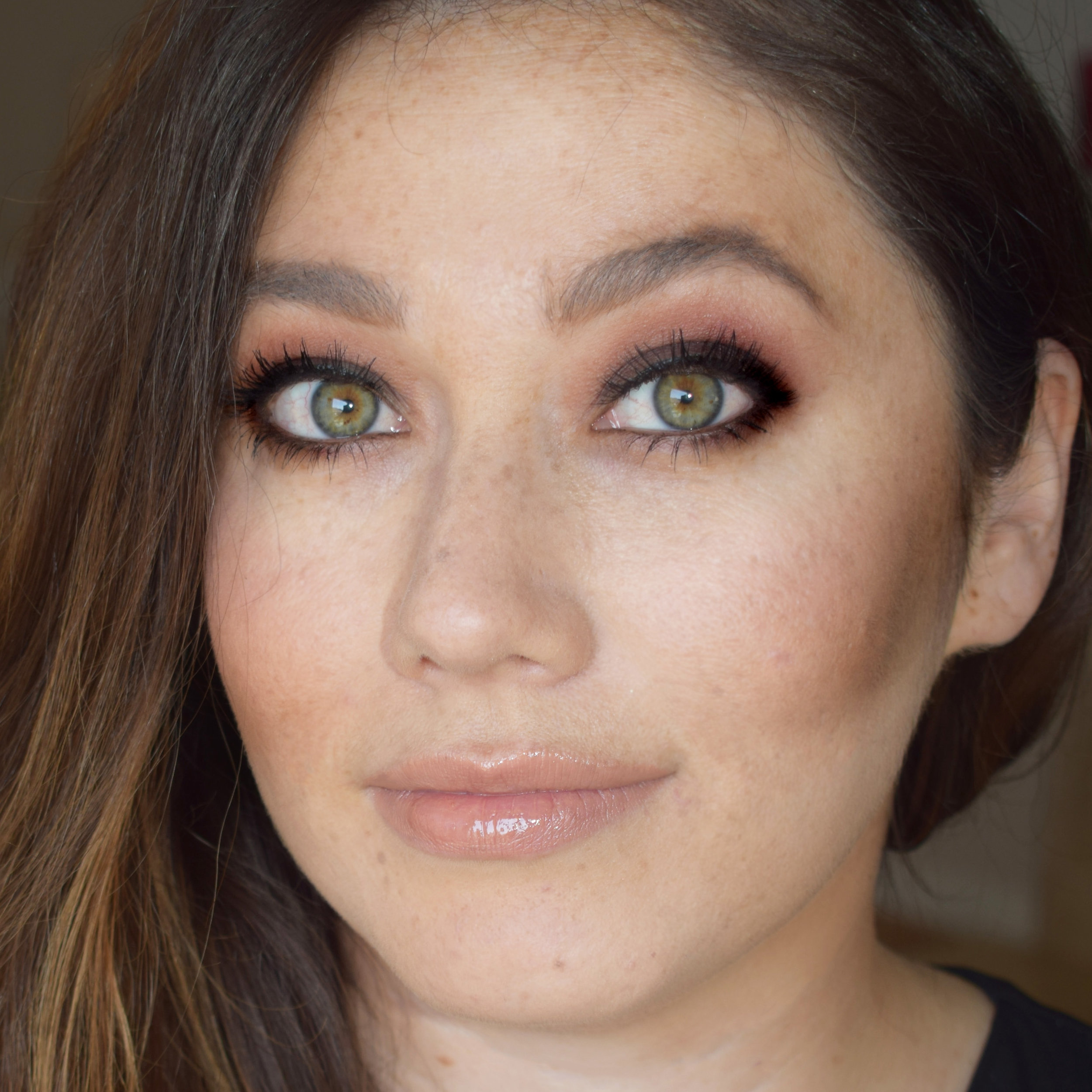 Natural Bridal Makeup for Green Eyes by Ventura Wedding Makeup Artist Glory Munoz