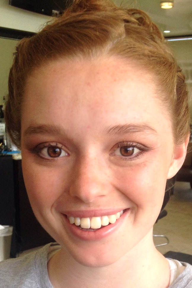 Cool browns and peach tones look harmonious on this lovely redhead. A perfect no makeup, makeup look for a natural bride.