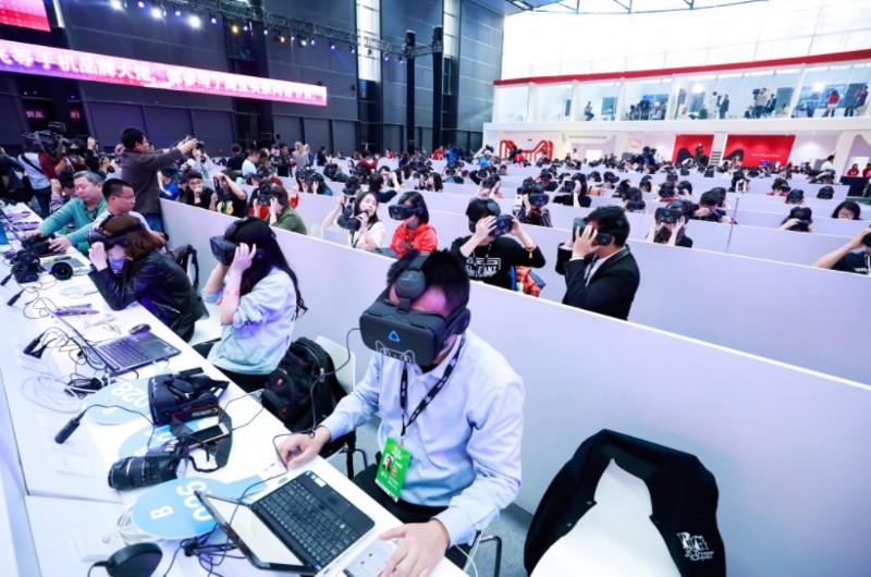 Alibaba VR Commerce 2.jpeg