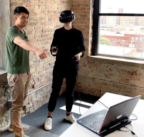 Testing a virtual environment through VR.   Photo: VIATechnik
