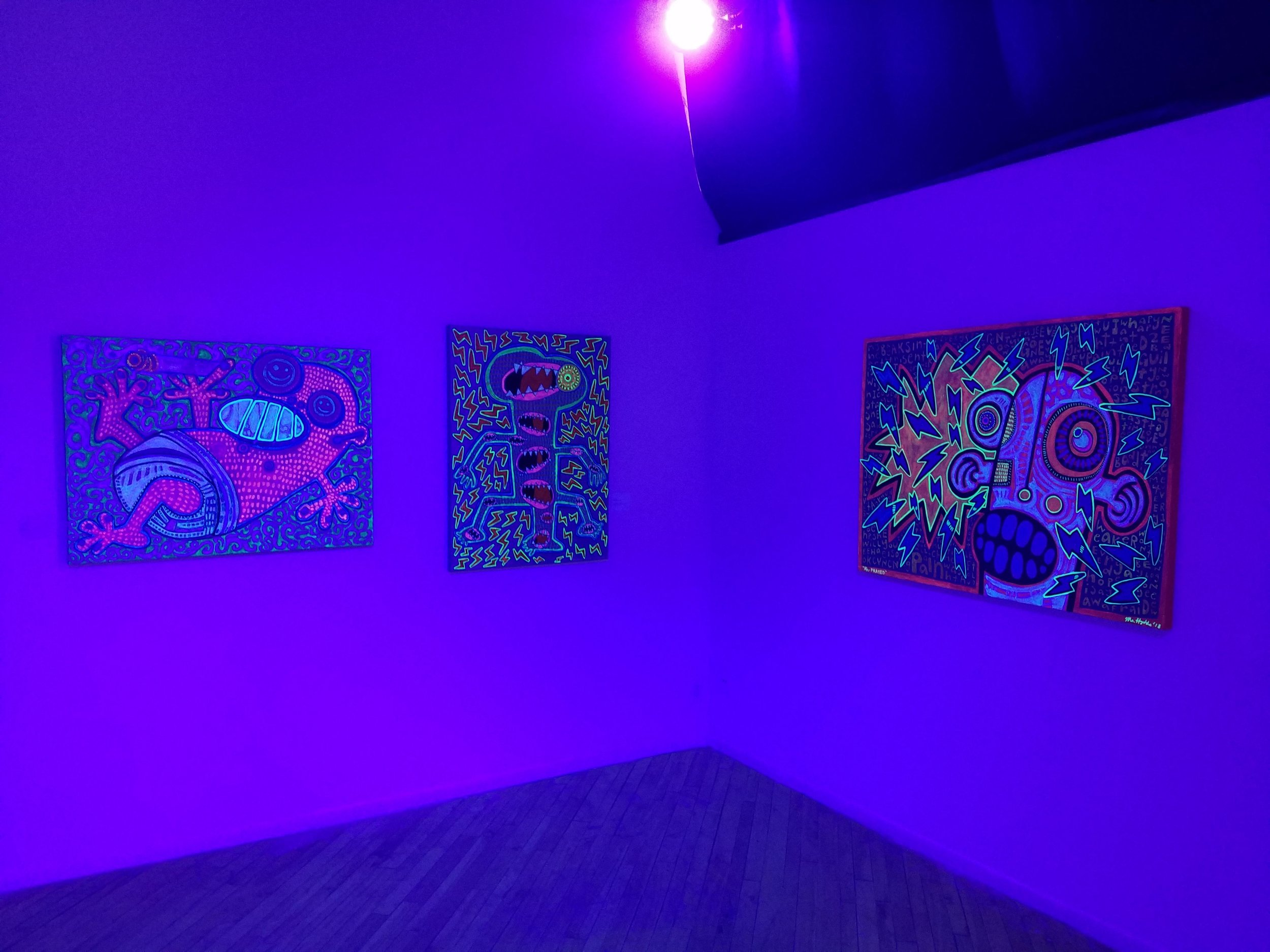 Installation view (dark), Mr. Hydde: Nite Konectionz