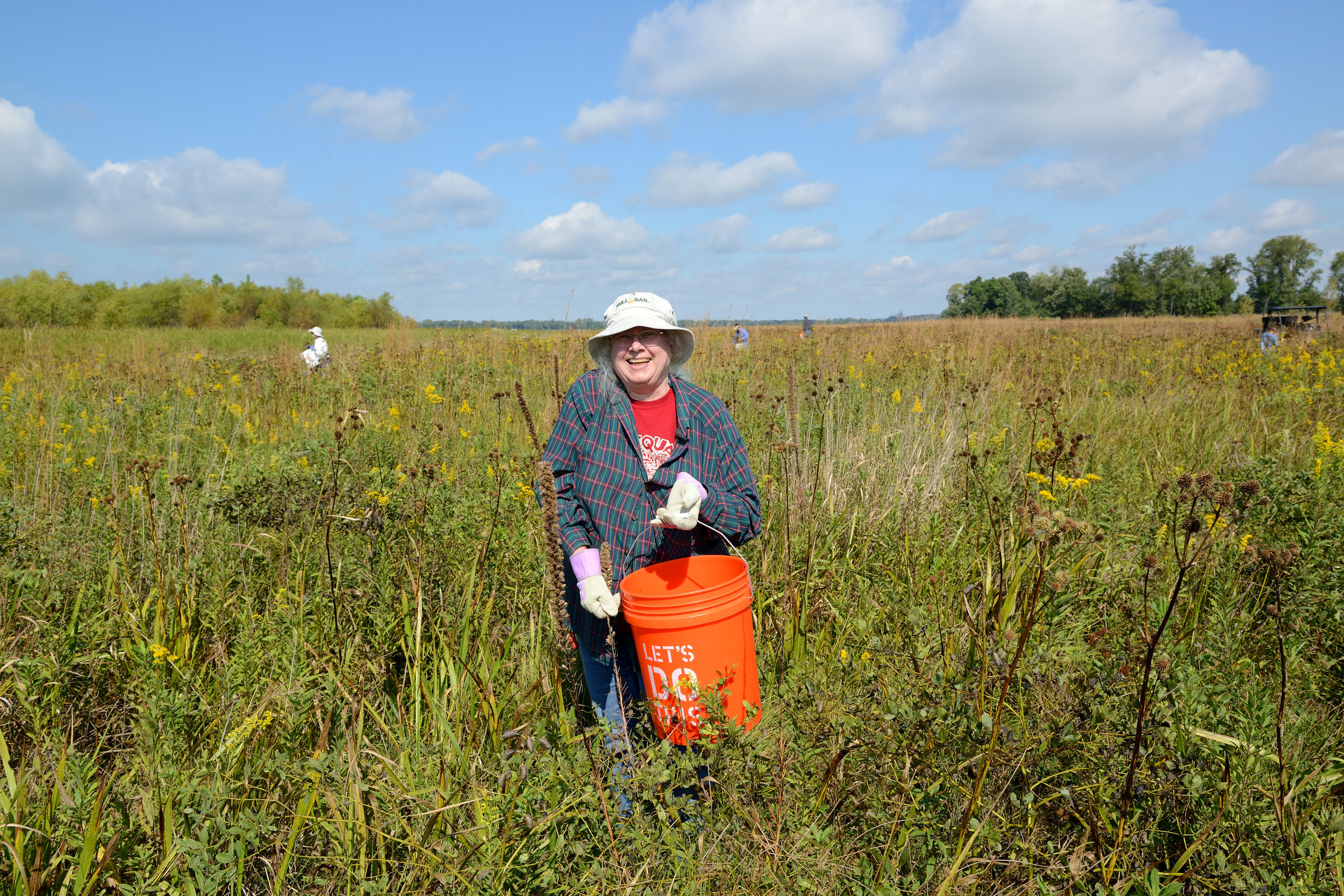 Longtime volunteer Ruby Jung lends a helping hand.