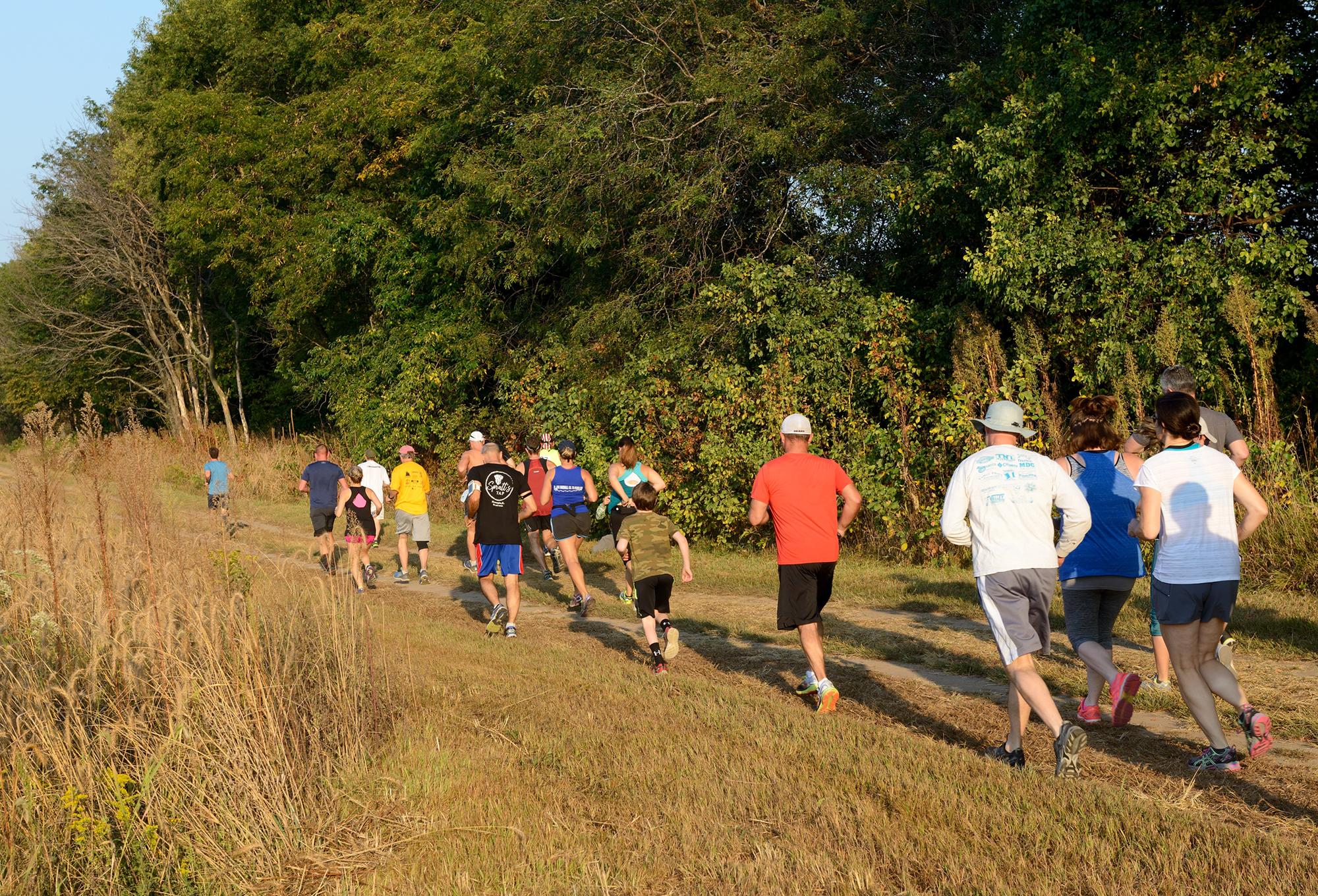 2b - Runners starting.jpg