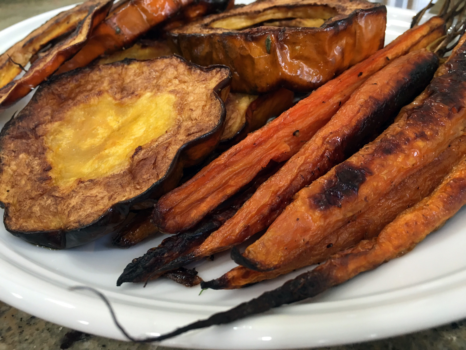 Sweet and earthy - Oven roasted acorn squash and whole carrots