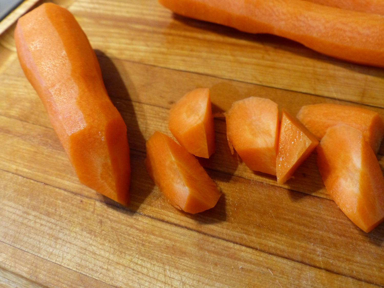 Carrots cut by quarter turn method