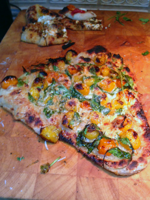 Roasted tomato, roasted garlic, basil & Parmesan cheese pizza