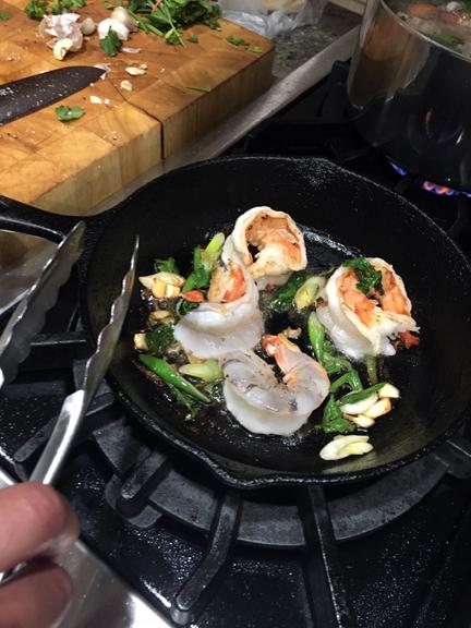 Jumbo shrimp with garlic & scallions