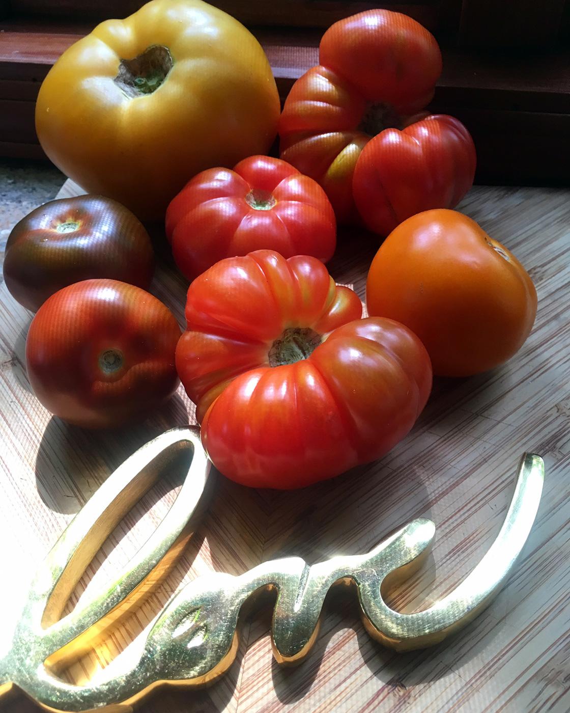 tomatoes.love.jpg