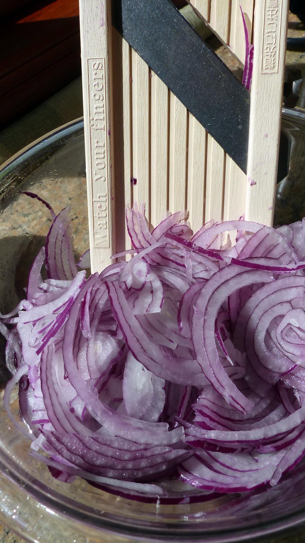 sliced.onions2.jpg