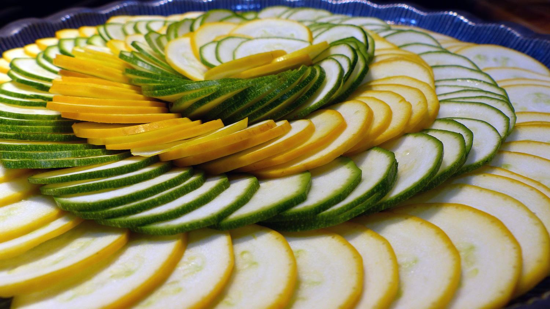 zucchini.slice.cu.jpg