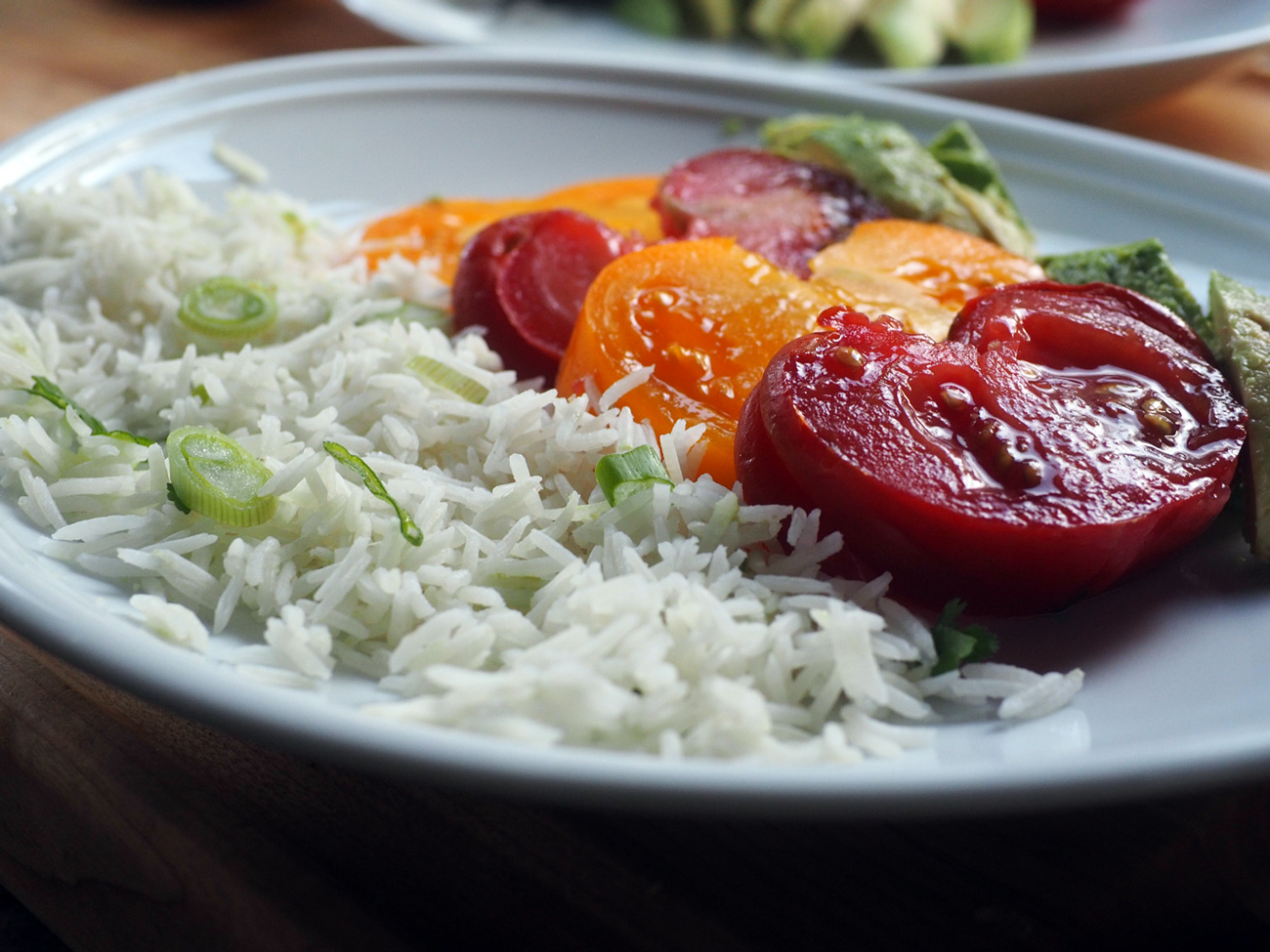 Or just lay the rice up against the tomatoes.