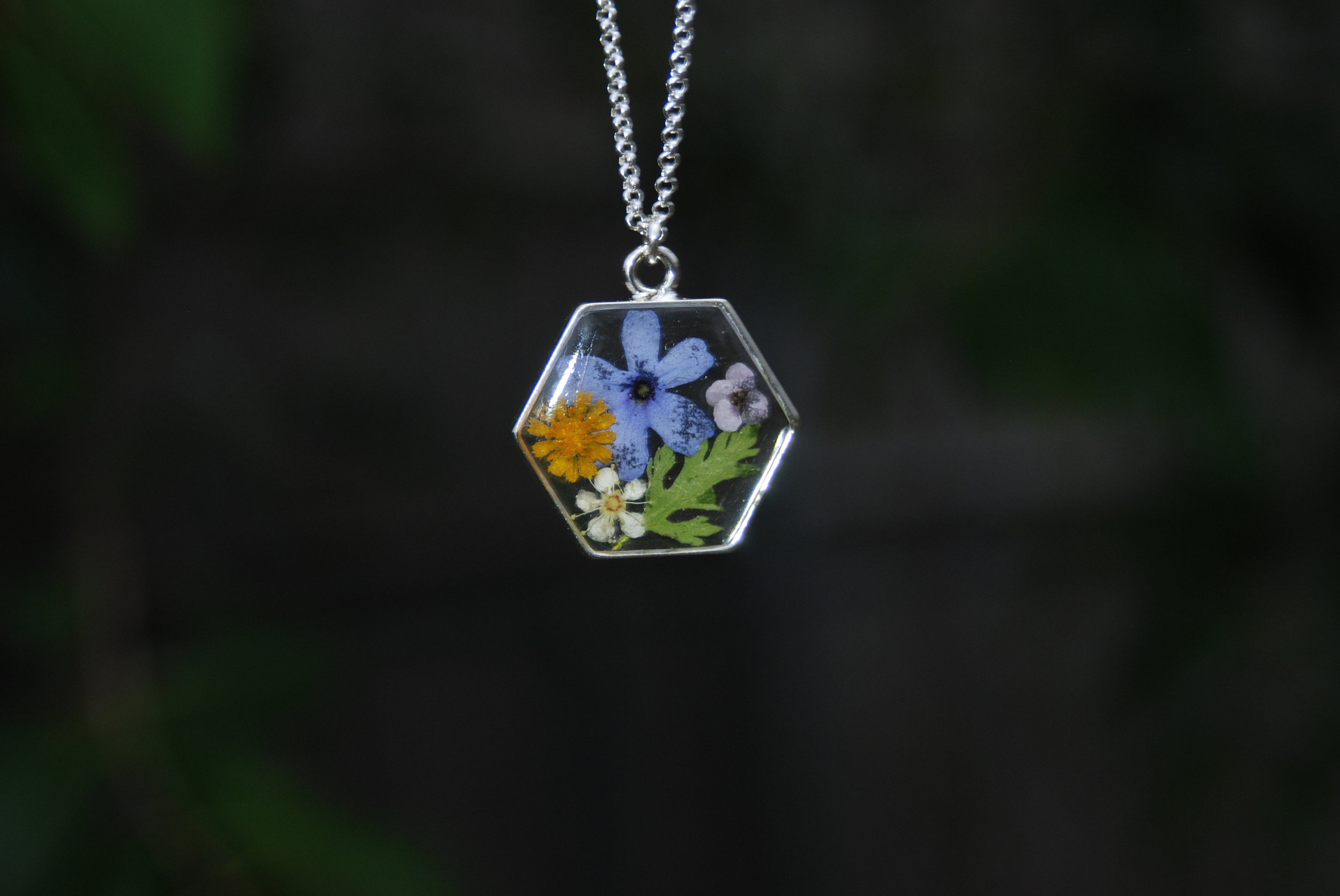 Dried Wild Flower Pendant Necklace - Gnome Stones