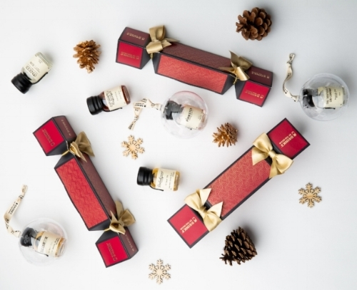 Crackers Baubles - Group.jpg