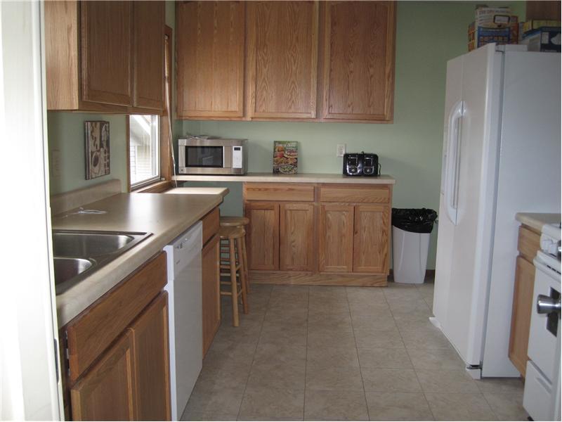 79-kitchen.JPG