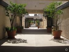 San Clemente Medical Day Suites Outside Breezeway