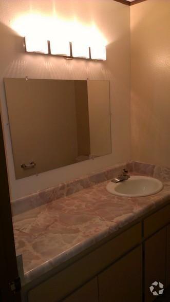 San Clemente Medical Day Suites Patient Restroom
