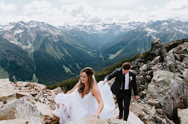 If you plan on hiking for your wedding I would love to be their to document it! Unless you're doing something crazy like scaling a mountain with ropes etc. My skill level is not there 🏔🤗⠀ ⠀ I sent this gallery off yesterday and I got one of the nicest messages from Kelsy 👆🏻 It's the kind words from my clients that make this job so darn great.  #kickinghorsemountainresortwedding #kickinghorsewedding #banffelopement #rockymountainbride #hike