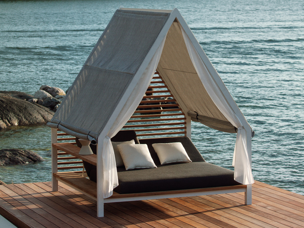 Cottage-Daybed-with-fabric-roof.jpg