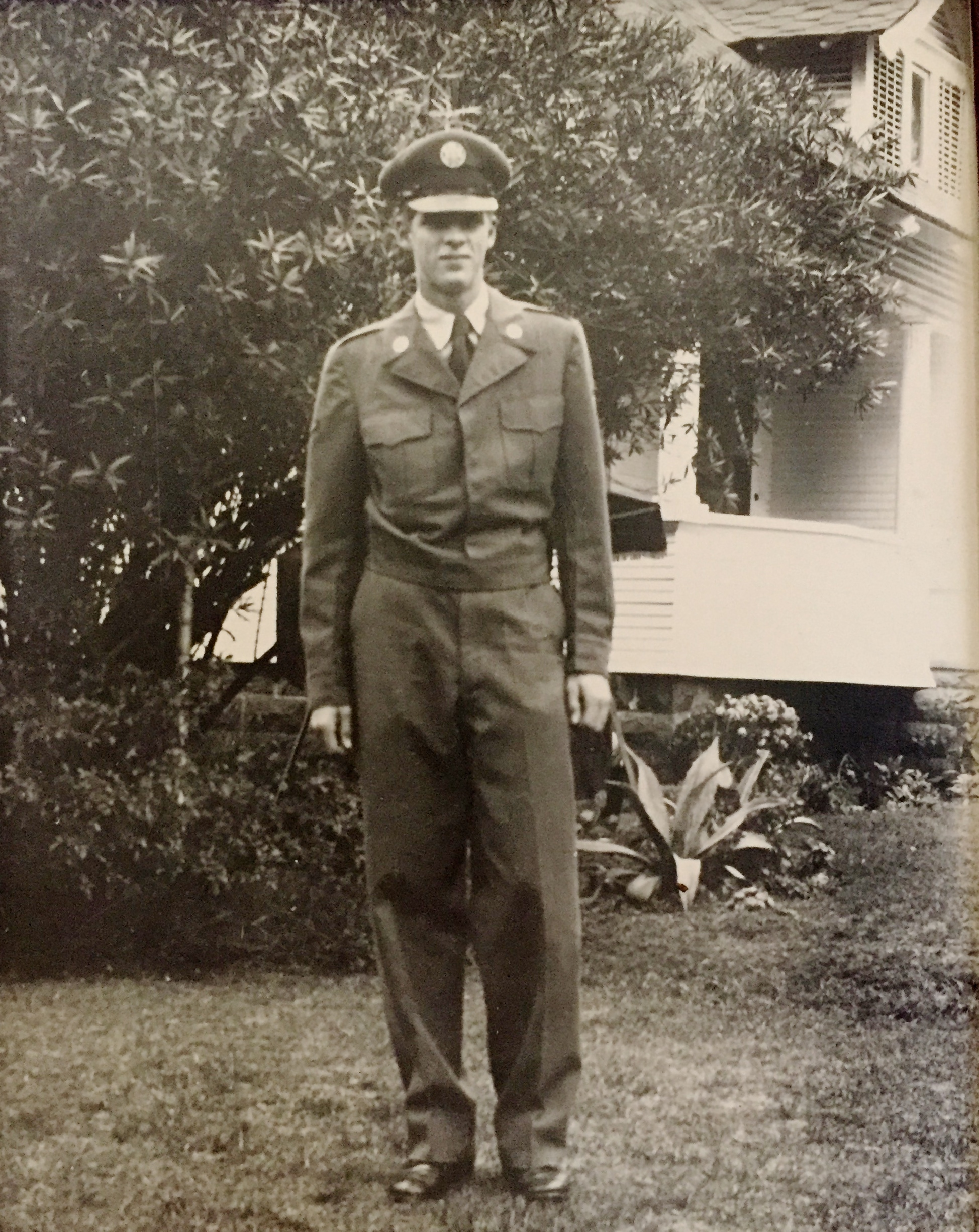 Portrait of the blogger as a young Airman, 1952.