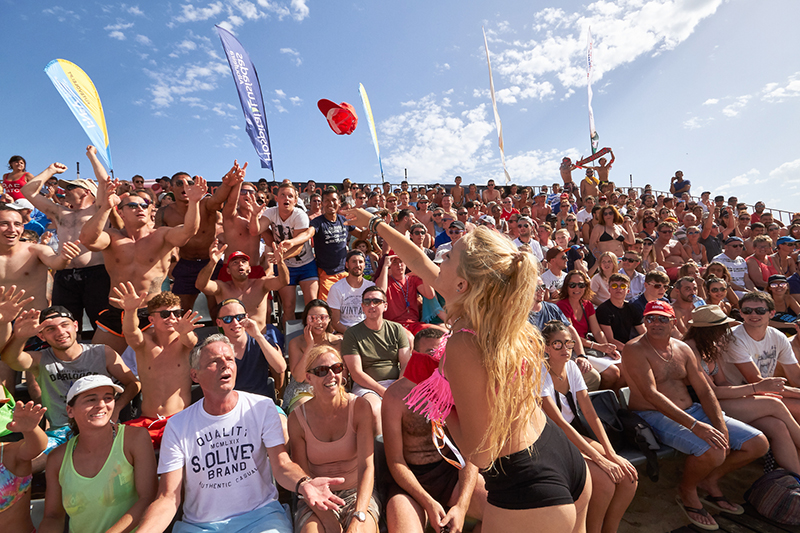 Packed stadium at the European Footvolley Championship 2017 in Albufeira. Photo: Vitor Pina.