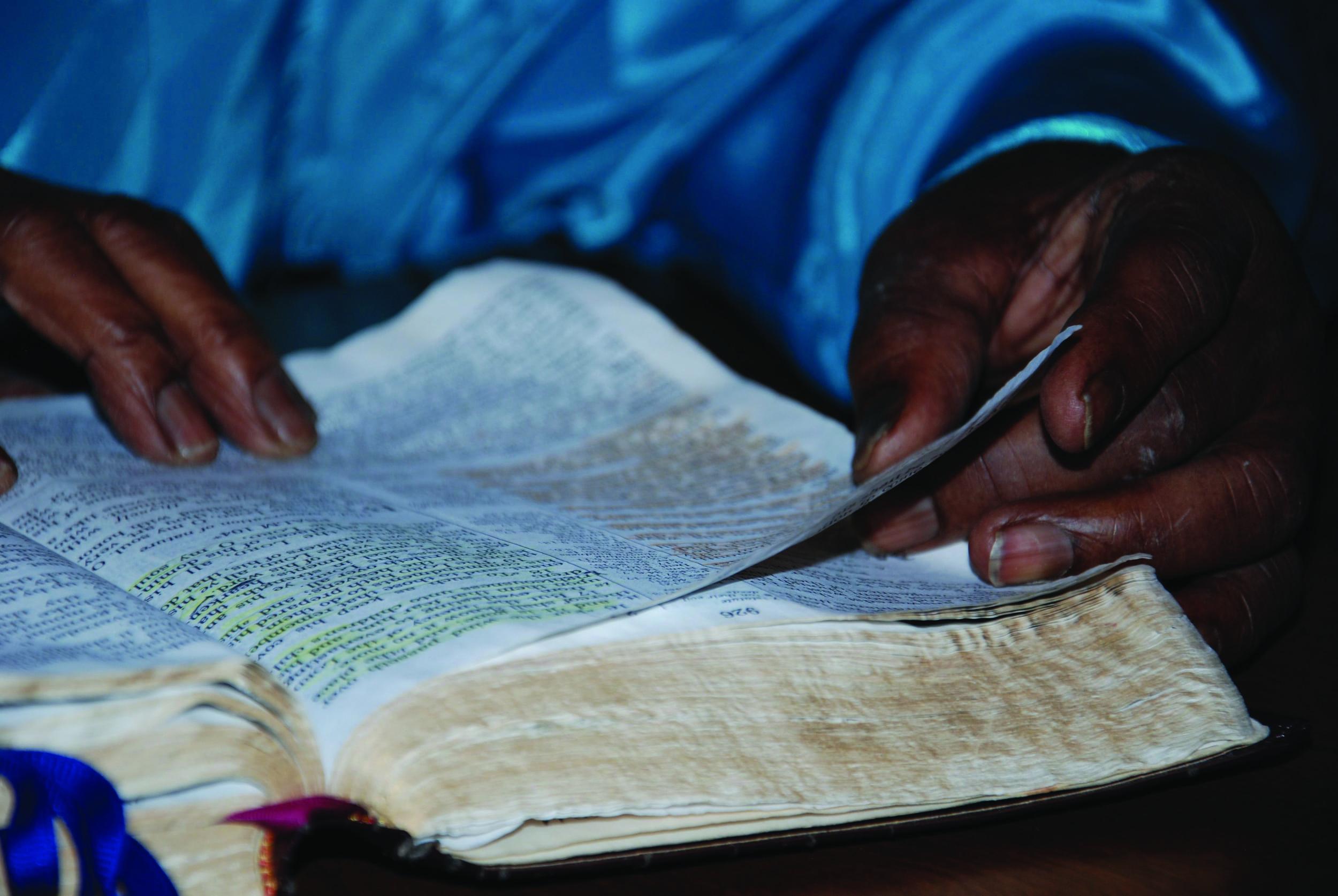 Bible in her hands 3.jpg
