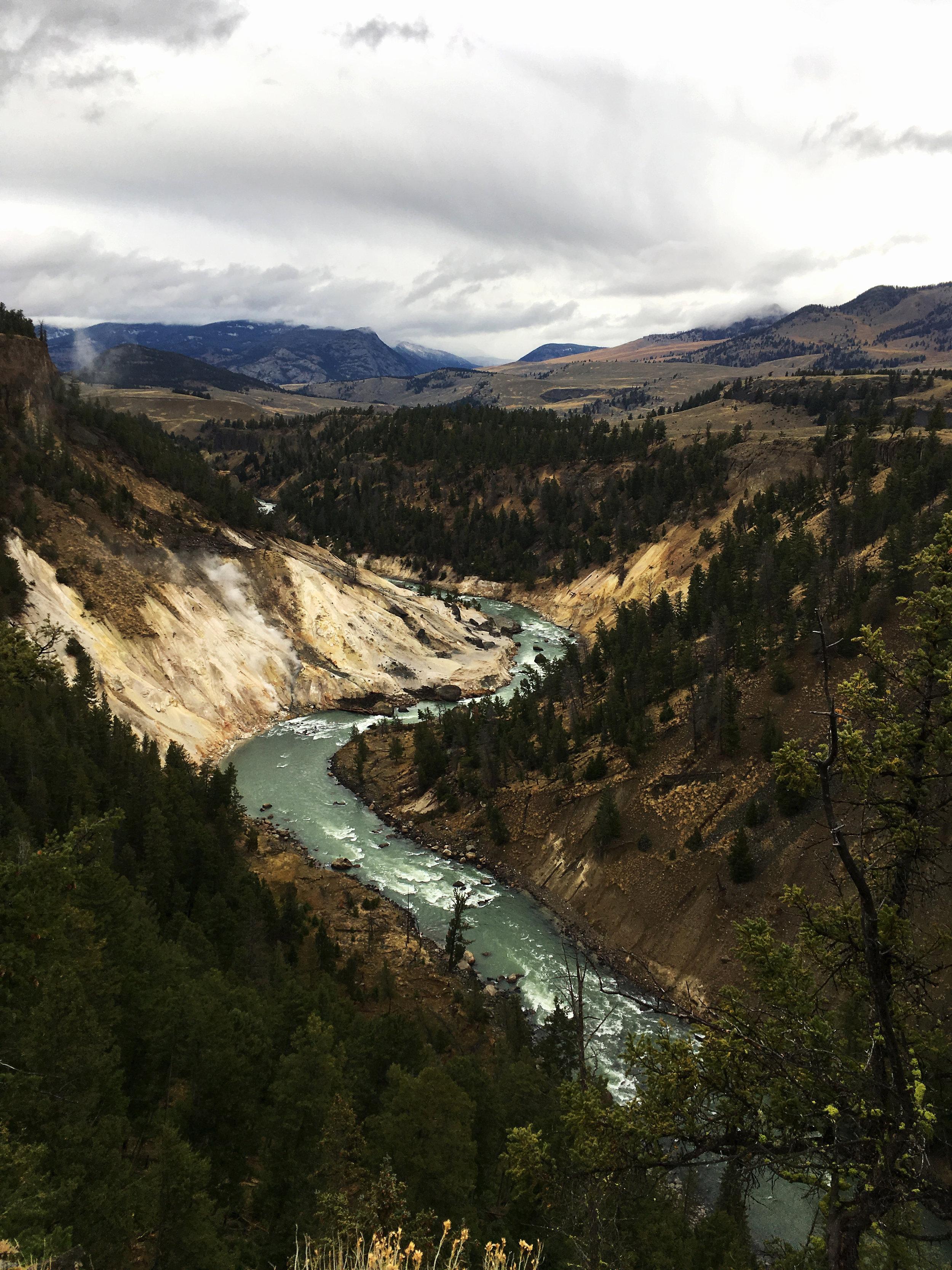 Yellowstone B 004.jpg
