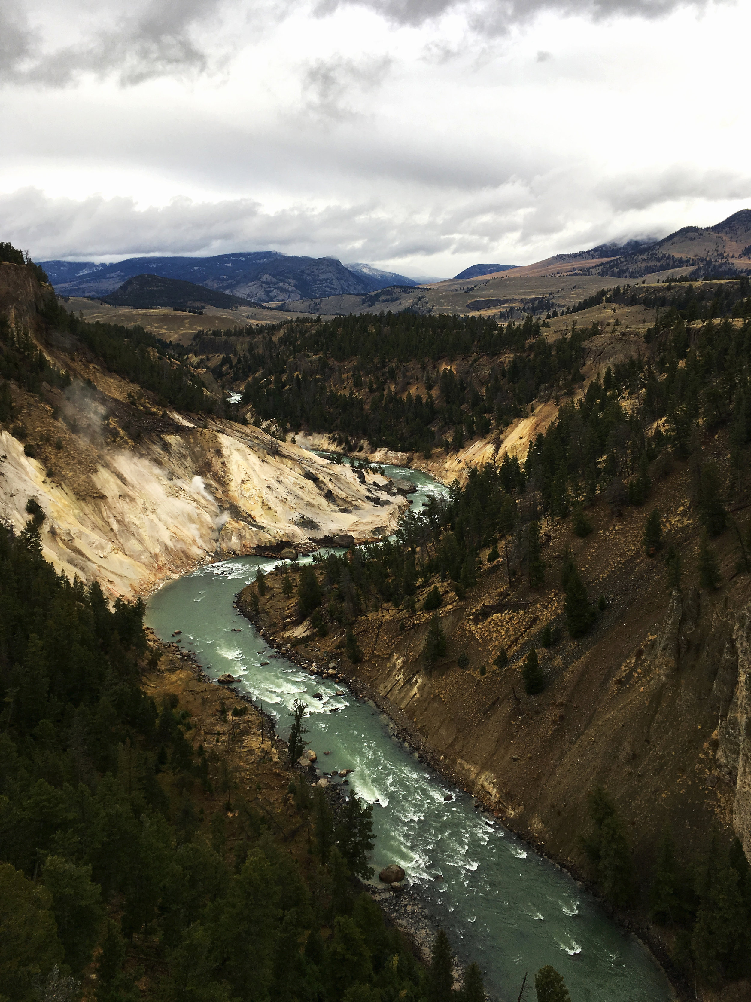 Yellowstone B 013.jpg