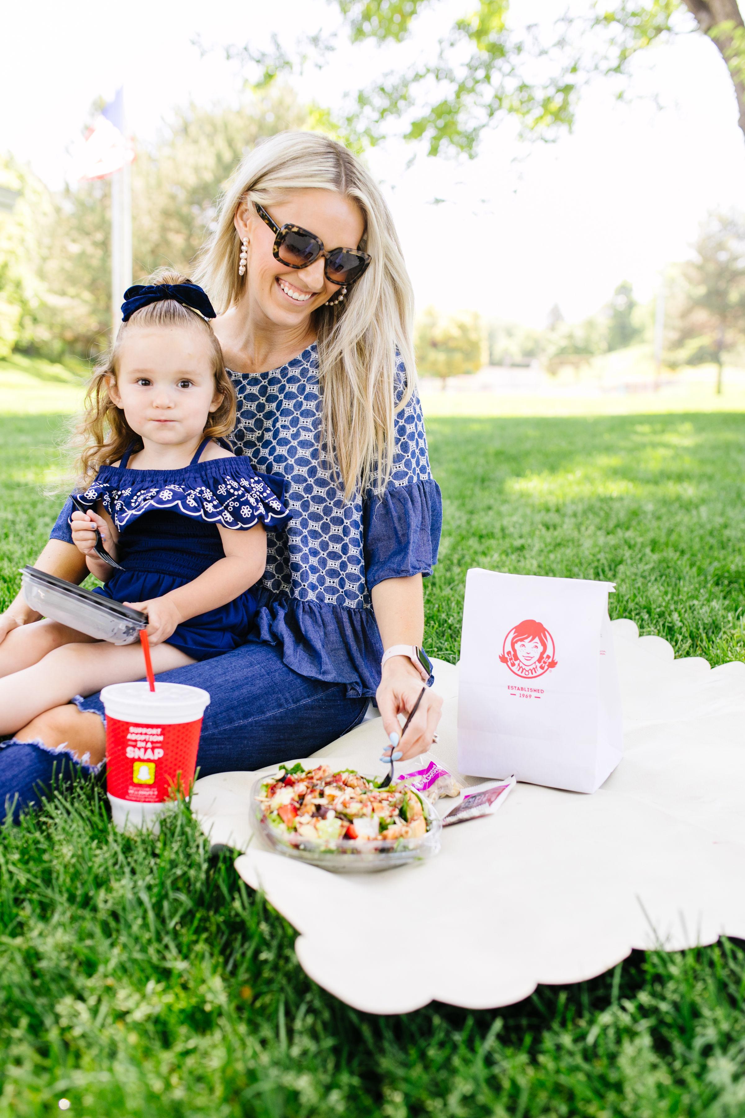 Wendy's_Summer_Salads.jpg