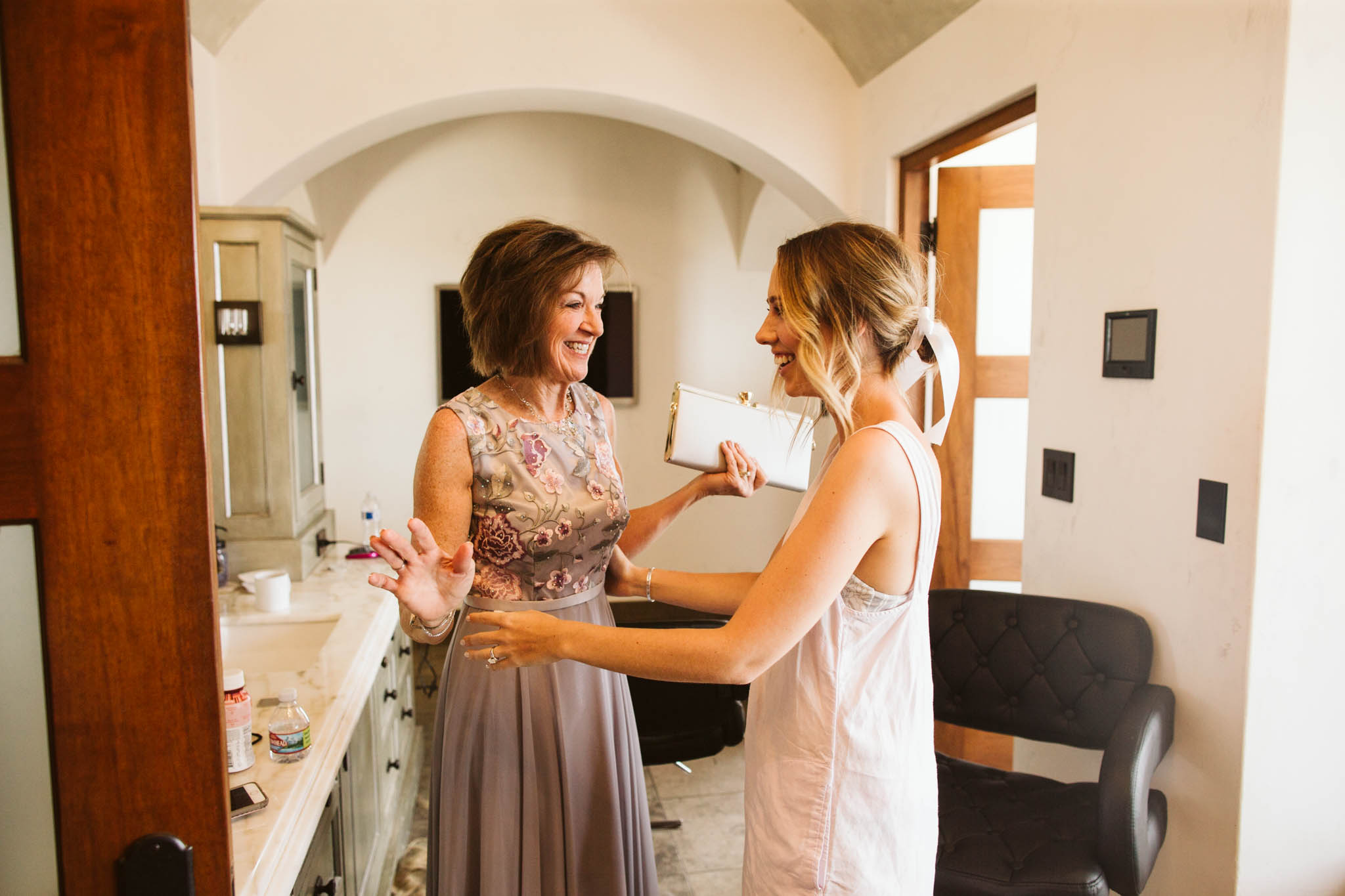 BridesmaidsGettingReady_-68.jpg