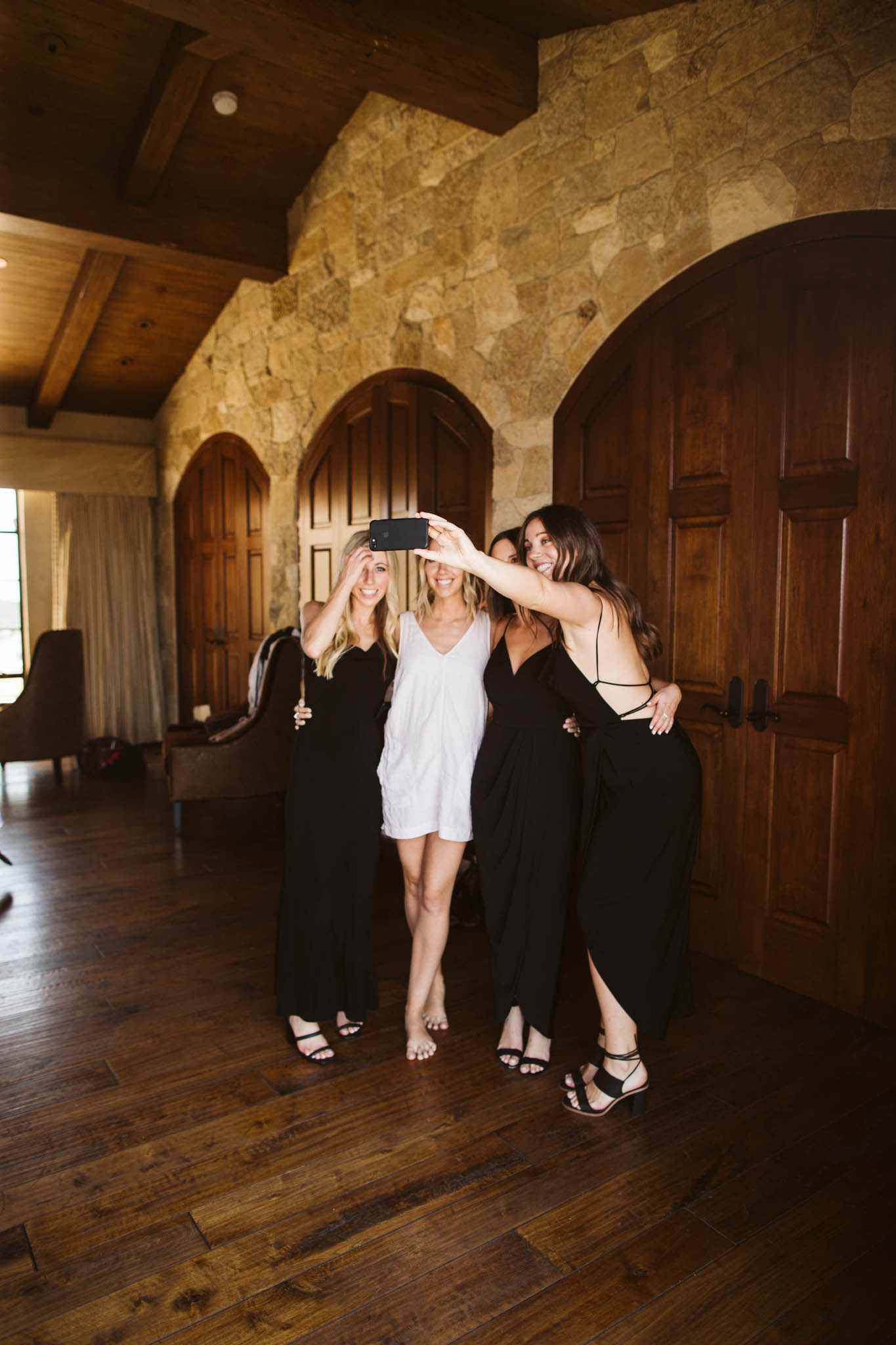 BridesmaidsGettingReady_-86.jpg