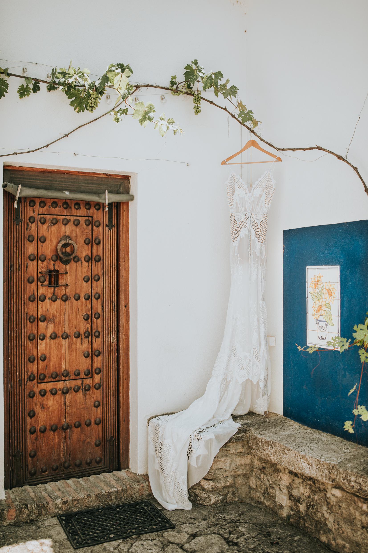 Andrew_Ferrah_GettingReady_Spain_Ronda_Bohemian_Wedding-4.jpg