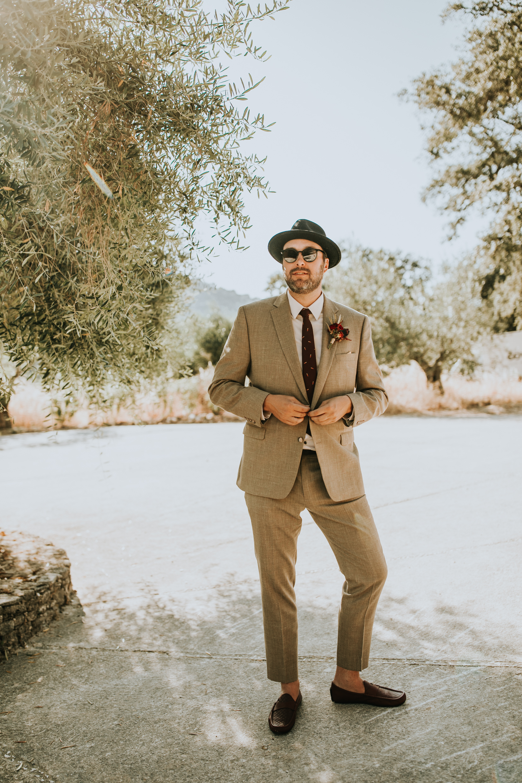 Andrew_Ferrah_GettingReady_Spain_Ronda_Bohemian_Wedding-91.jpg