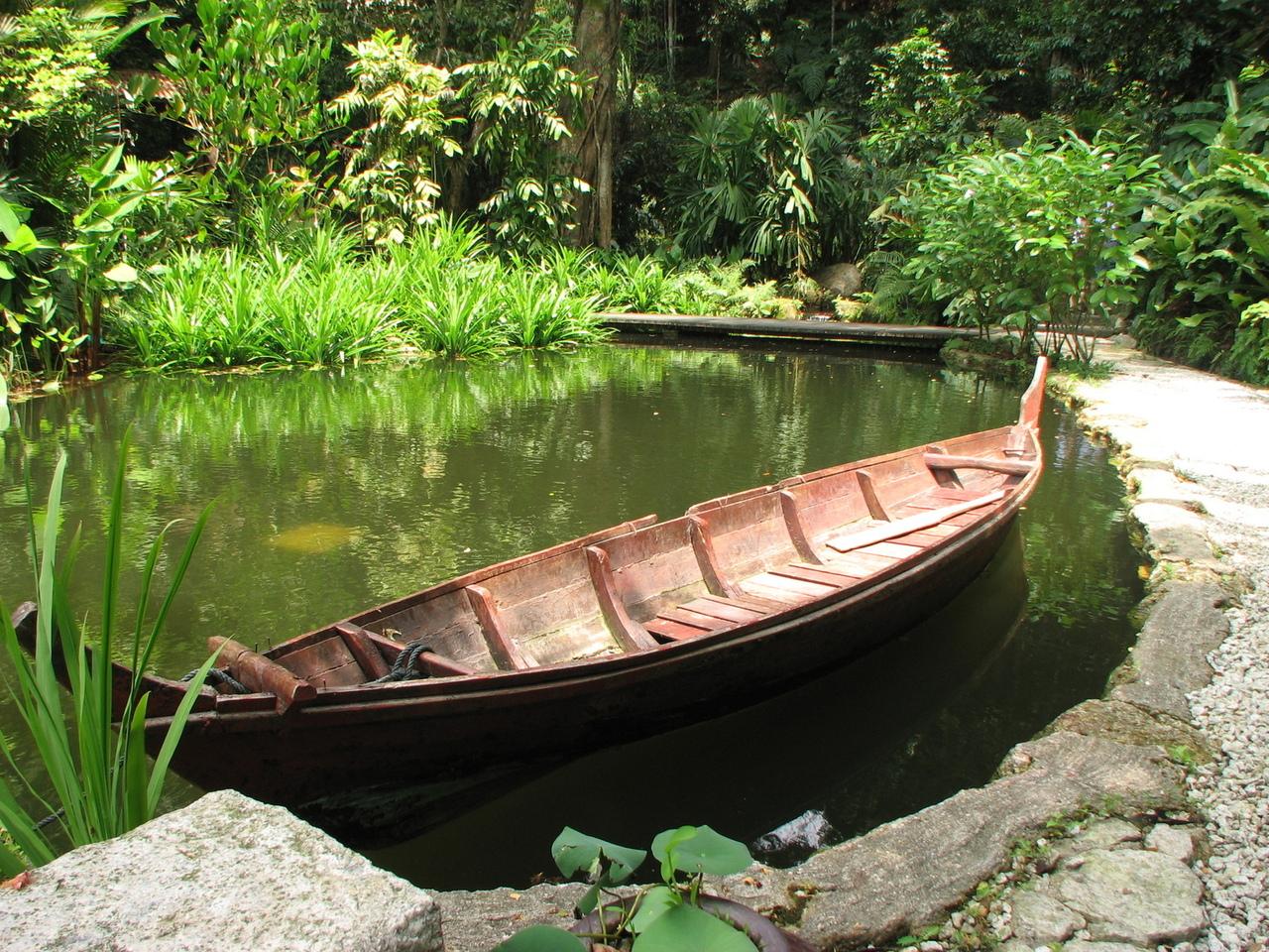 peace-boat-1179900-1280x960.jpg
