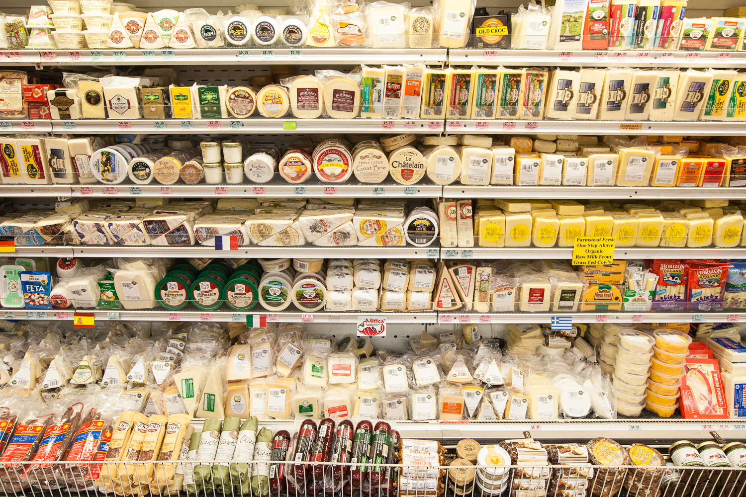 mana-foods-cheese-department-display-2.jpg