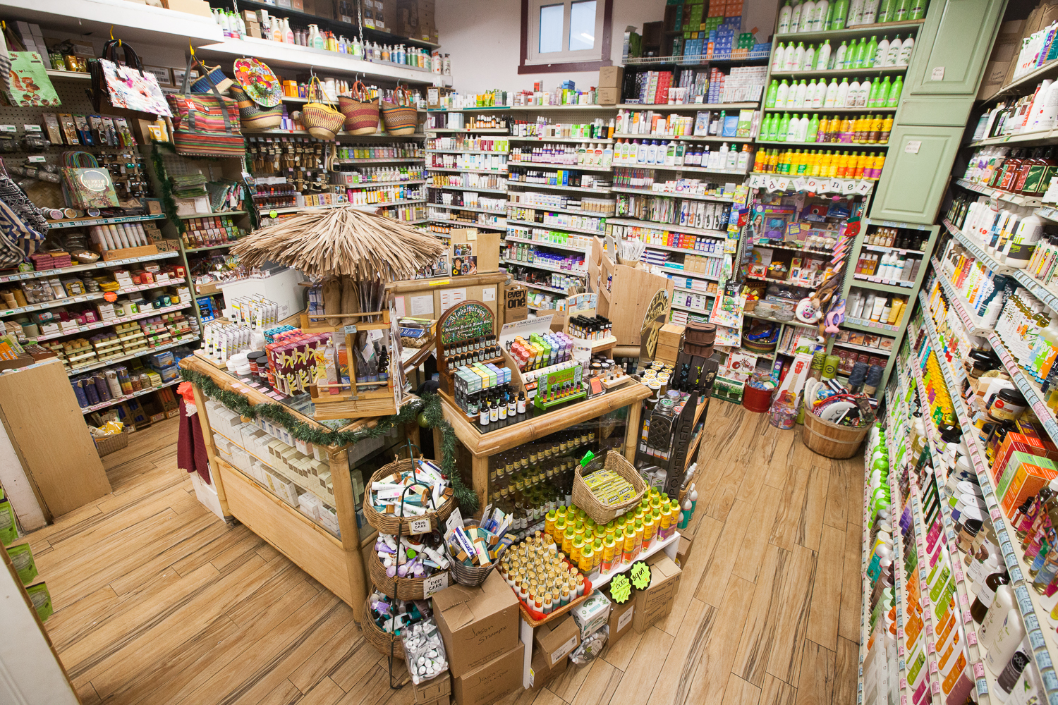 image-of-mana-foods-vitamin-room