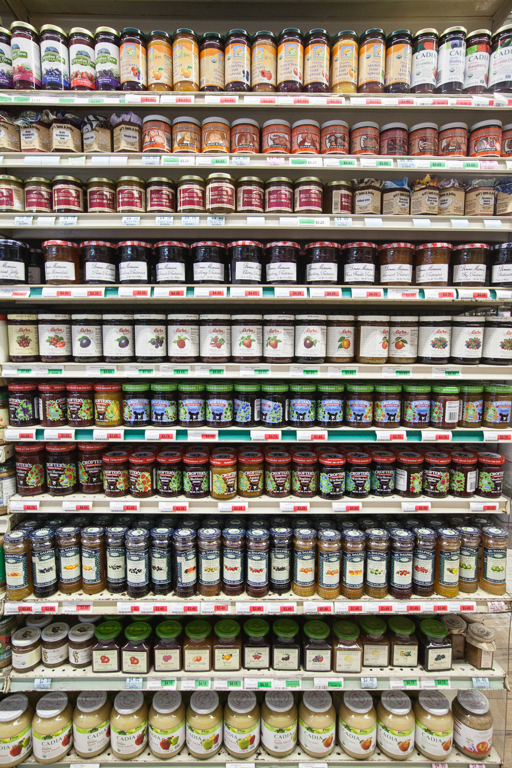 jam-jelly-section-mana-foods-grocery-paia-maui.jpg
