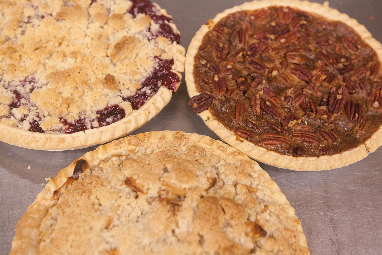 mana-foods-fresh-baked-thanksgiving-pies-4 copy.jpg