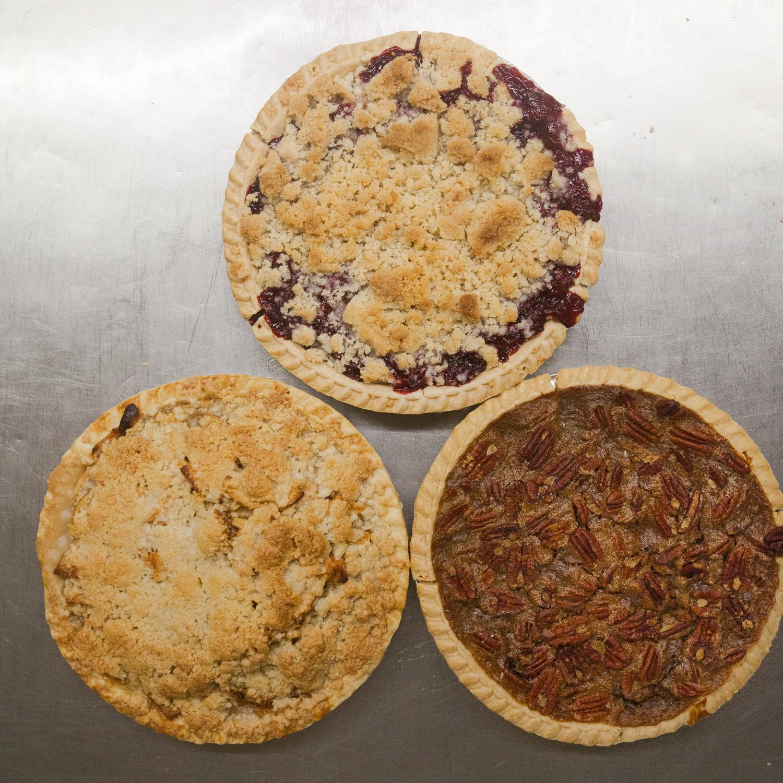 mana-foods-fresh-baked-thanksgiving-pies-8 copy.jpg