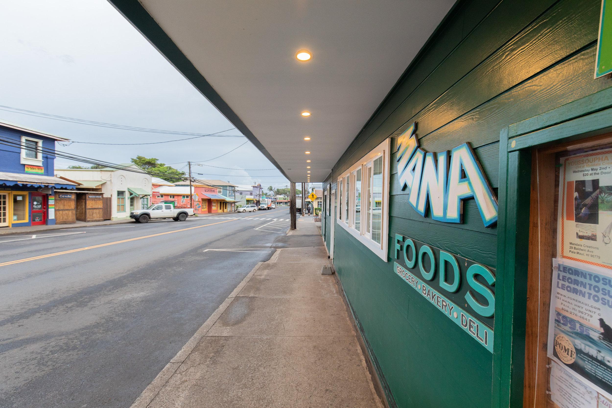 mana-foods-maui-paia-exterior copy.jpg