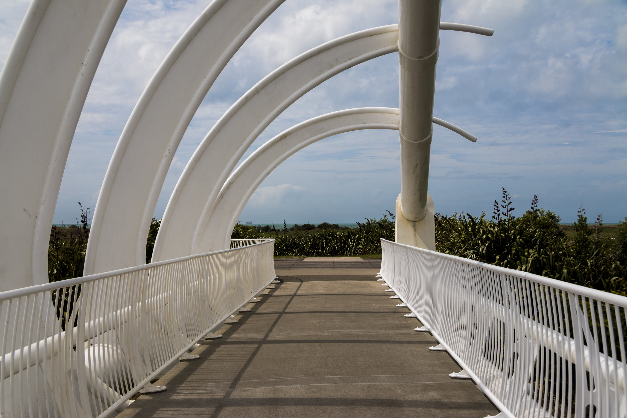 fakemilleniumbridge.jpg