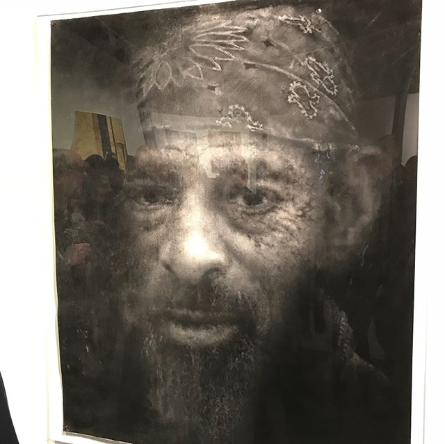 #veryproud of #myfriend @carolineburraway #finalist #thecolumbiathreadneedleprize #samuel #refugees #refugeecamps #calais #calaisjungle #gypsy #heart #art with #heart and #soul #thisshitisreal #people are living in camps #thisface tells that #story #ugly #story #great #face #important #work 👤