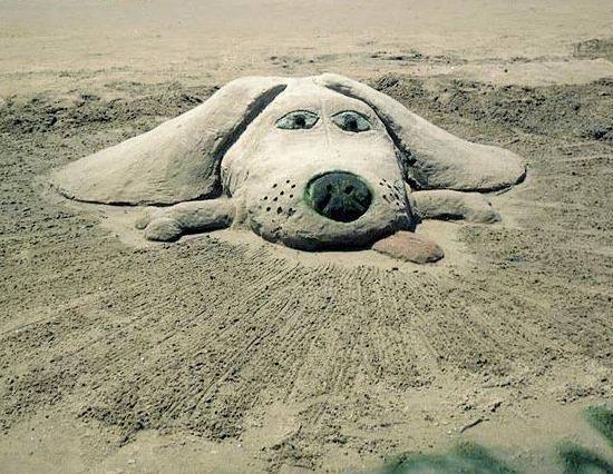 dog-sand-sculpture.jpg