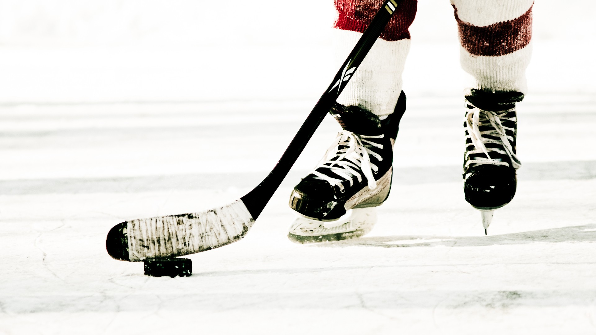 6833520-ice-hockey-wallpaper.jpg
