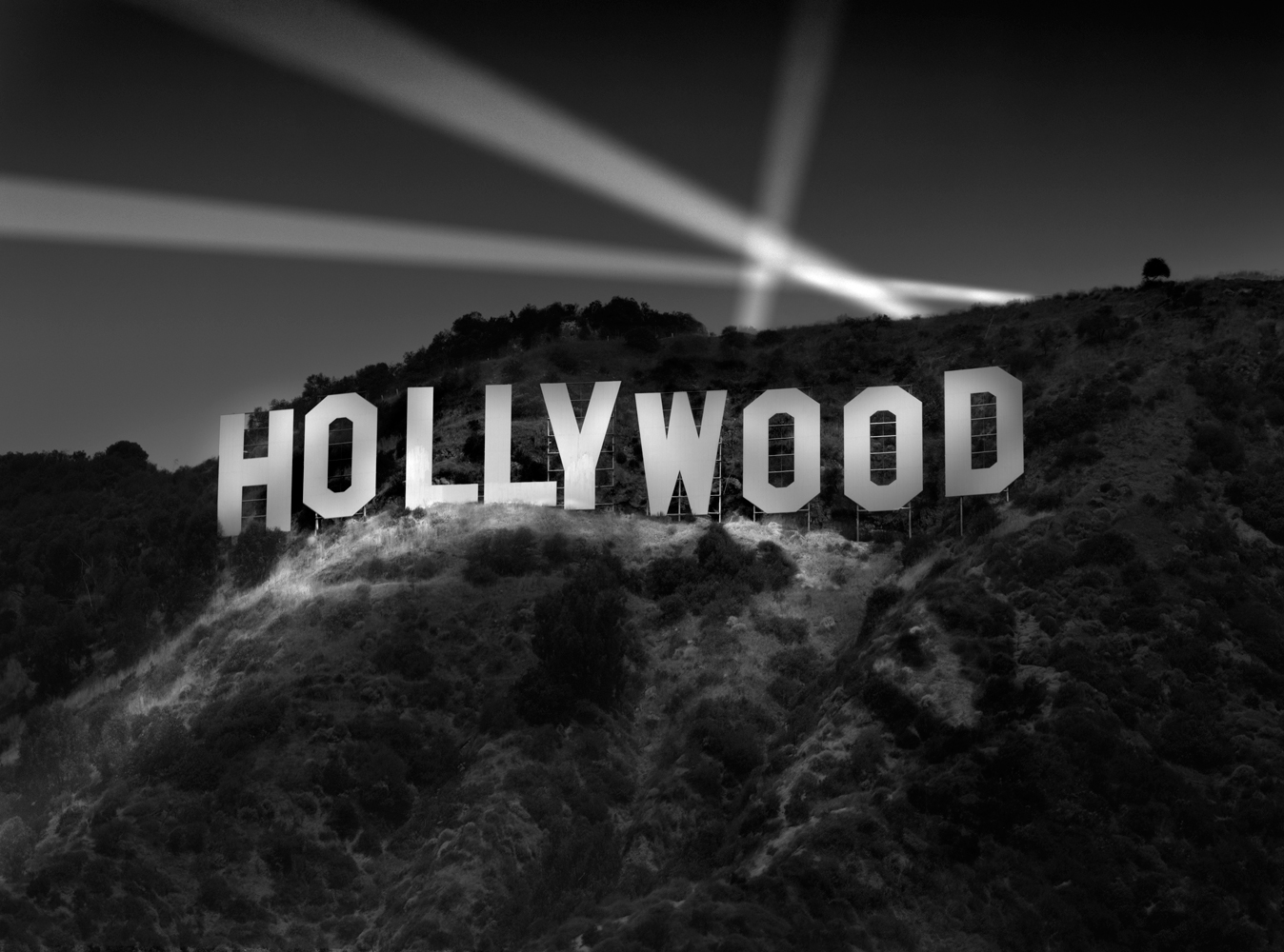 Richard-Lund-hollywood-sign-at-night.jpg