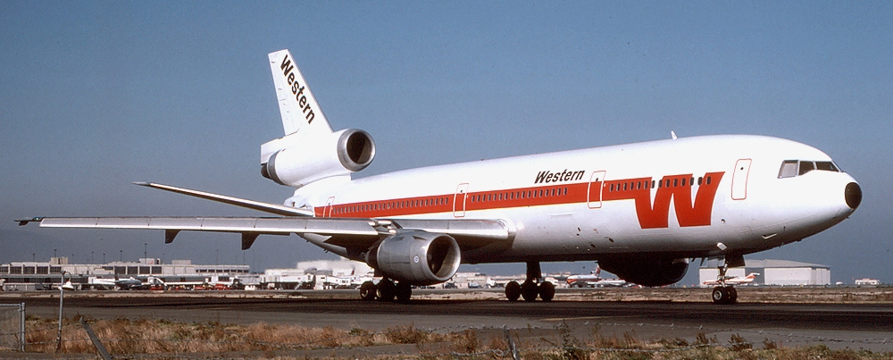 By Richard Silagi - http://www.airliners.net/photo/Western-Airlines/McDonnell-Douglas-DC-10-10/1823207/L/, GNU license